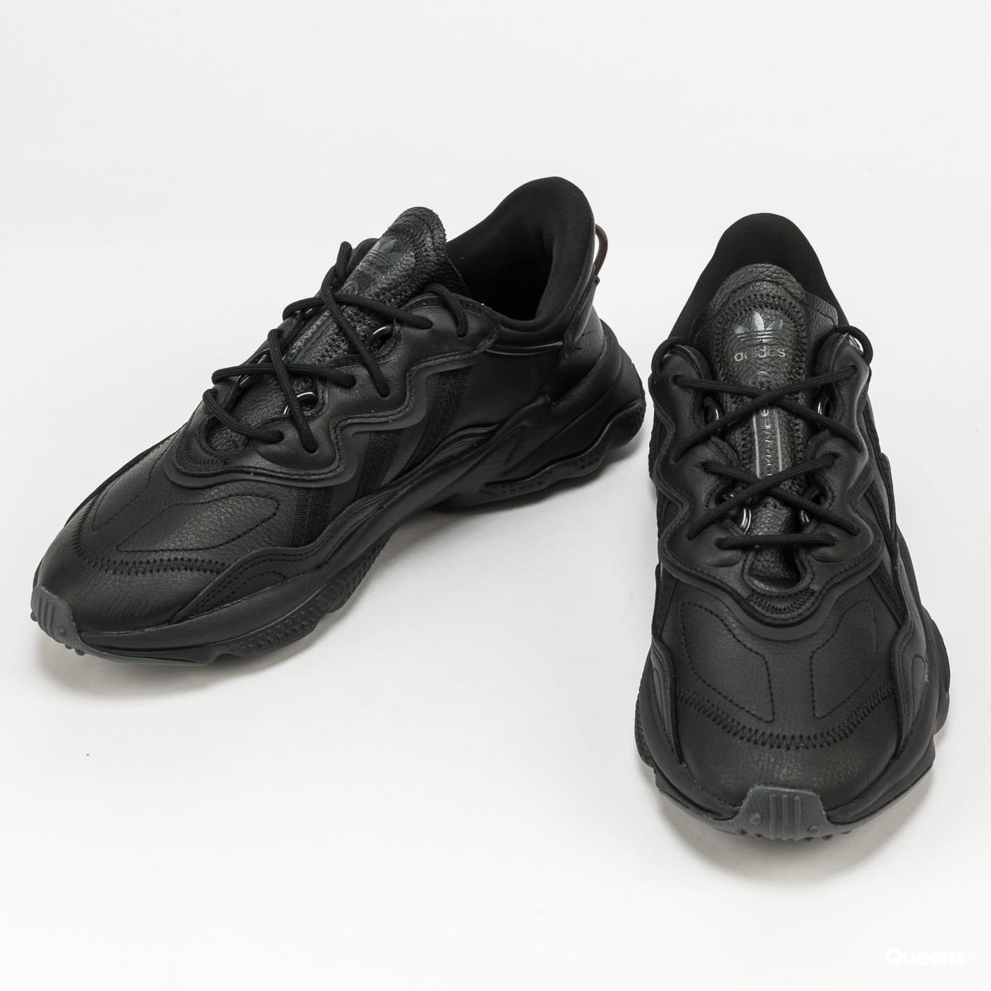 adidas Originals Ozweego cblack / dgsogr / cblack