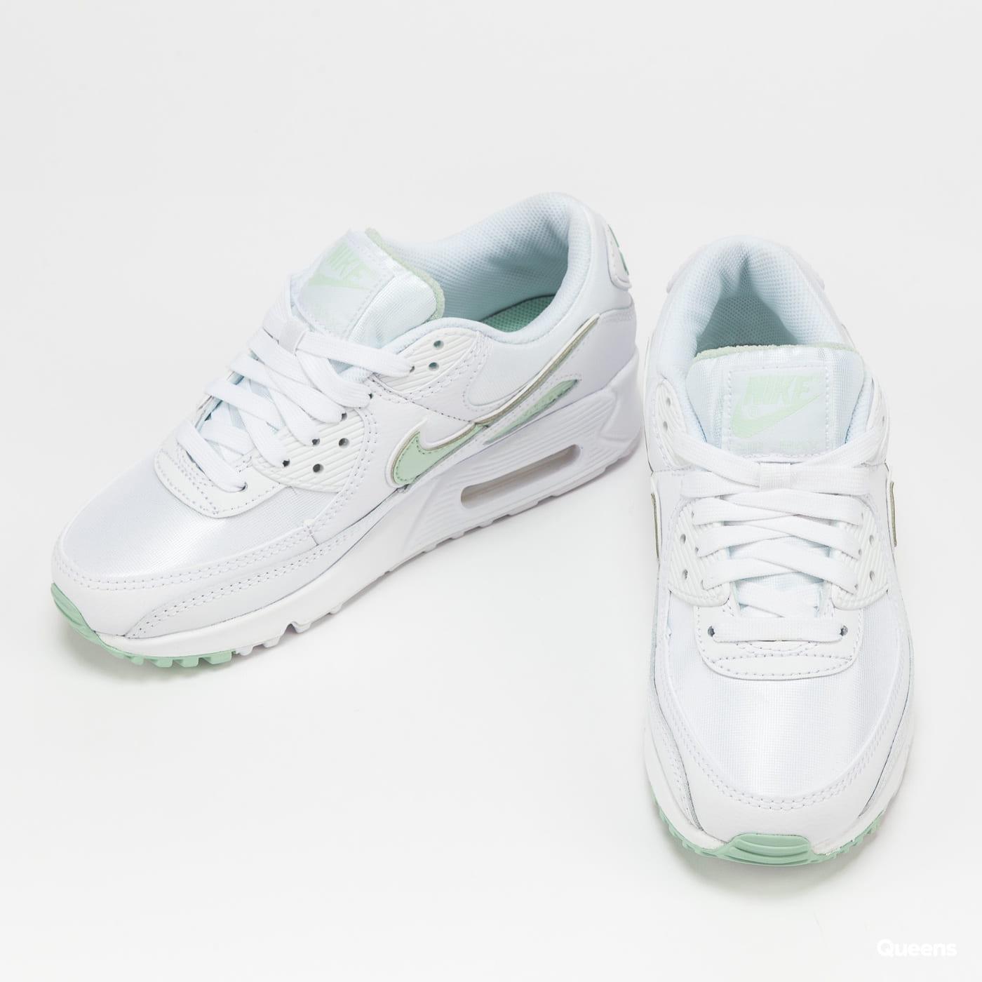 Nike W Air Max 90 white / pistachio frost