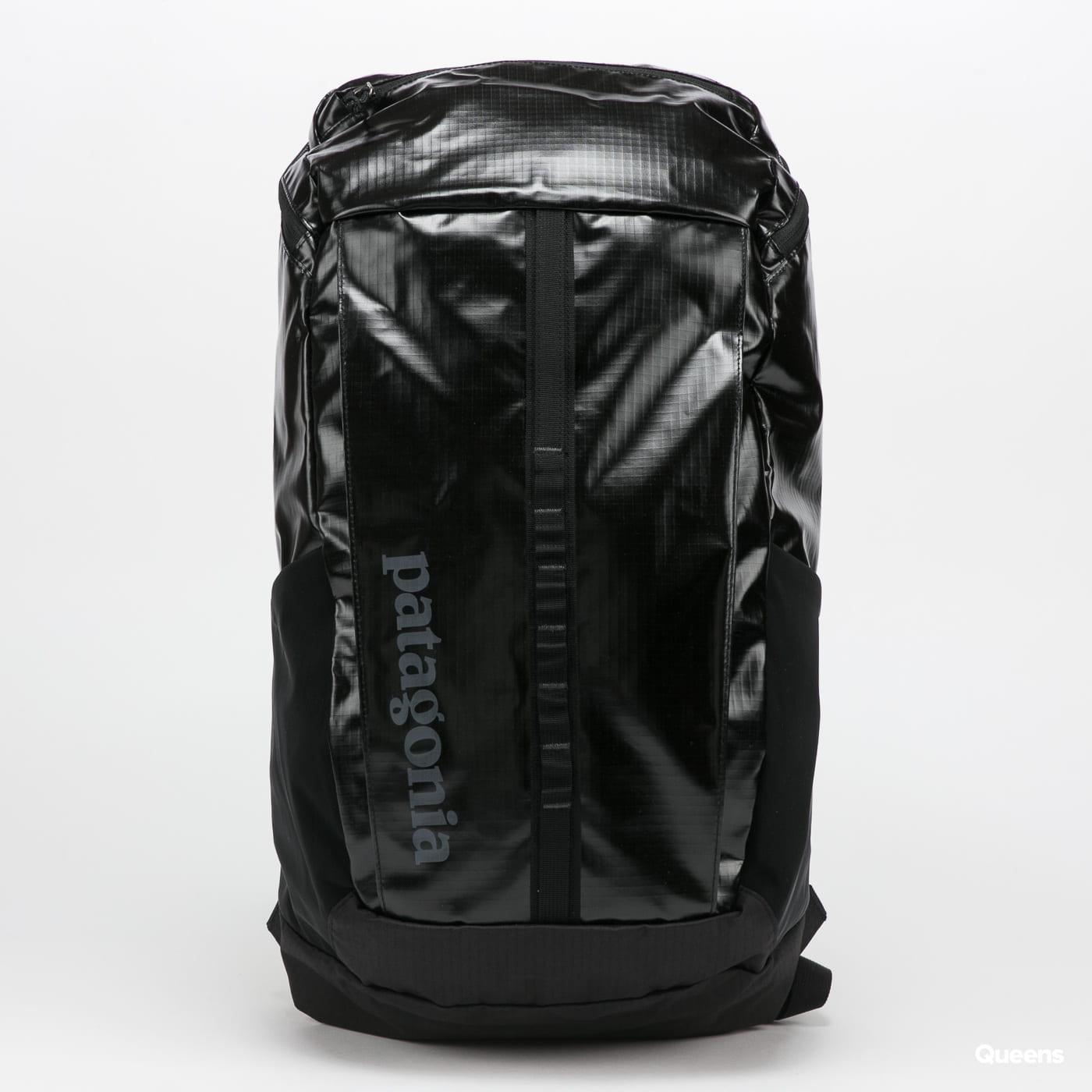 Patagonia Black Hole Pack 25L černý