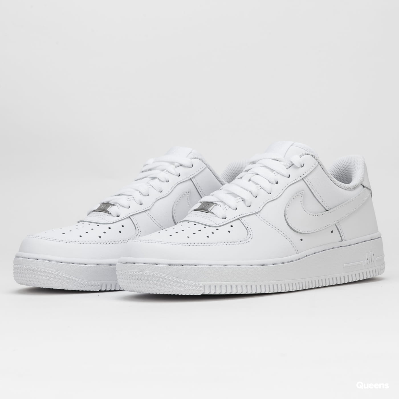 Nike Air Force 1 07 white / white