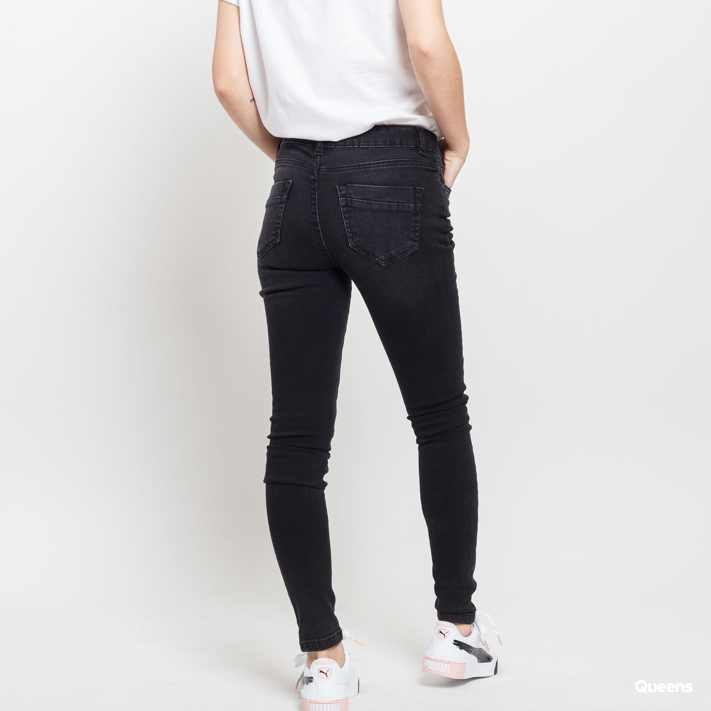 Urban Classics Ladies Ripped Denim Pants black washed