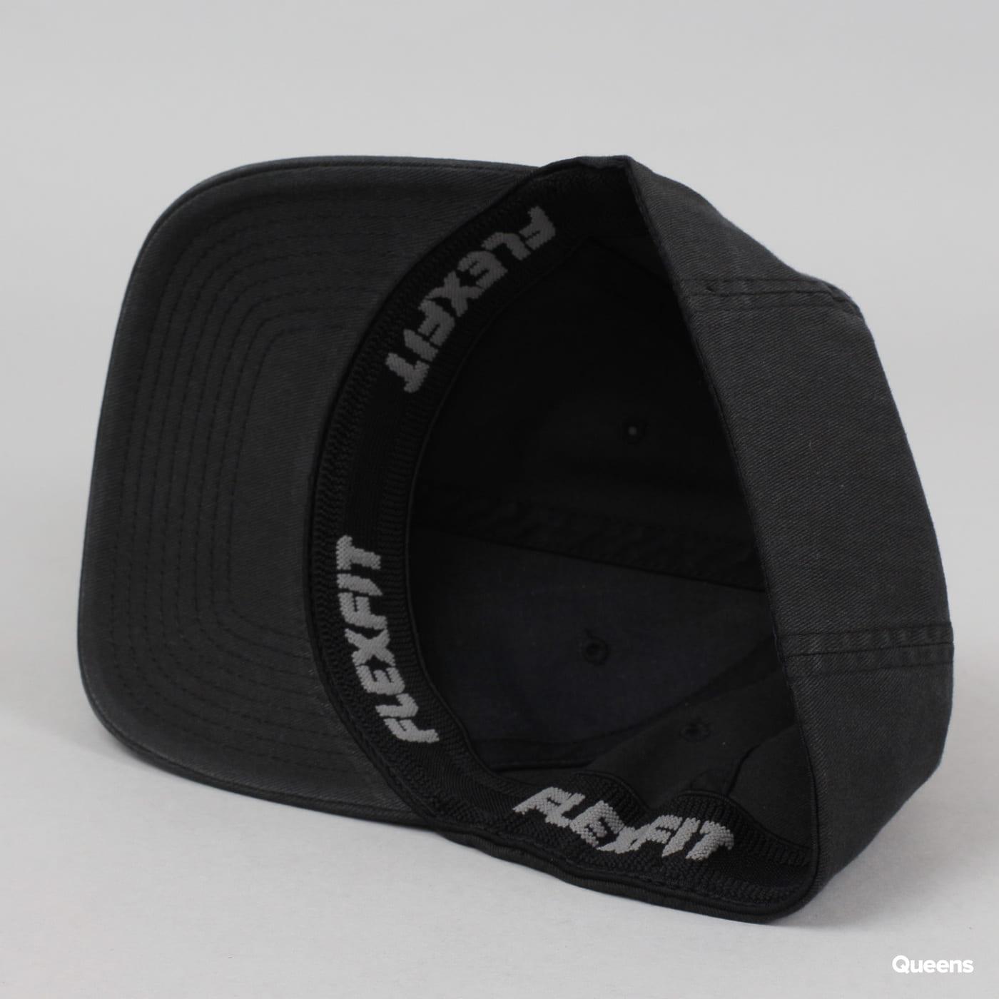 Yupoong Flexfit Garment Washed Cotton Dad Hat black